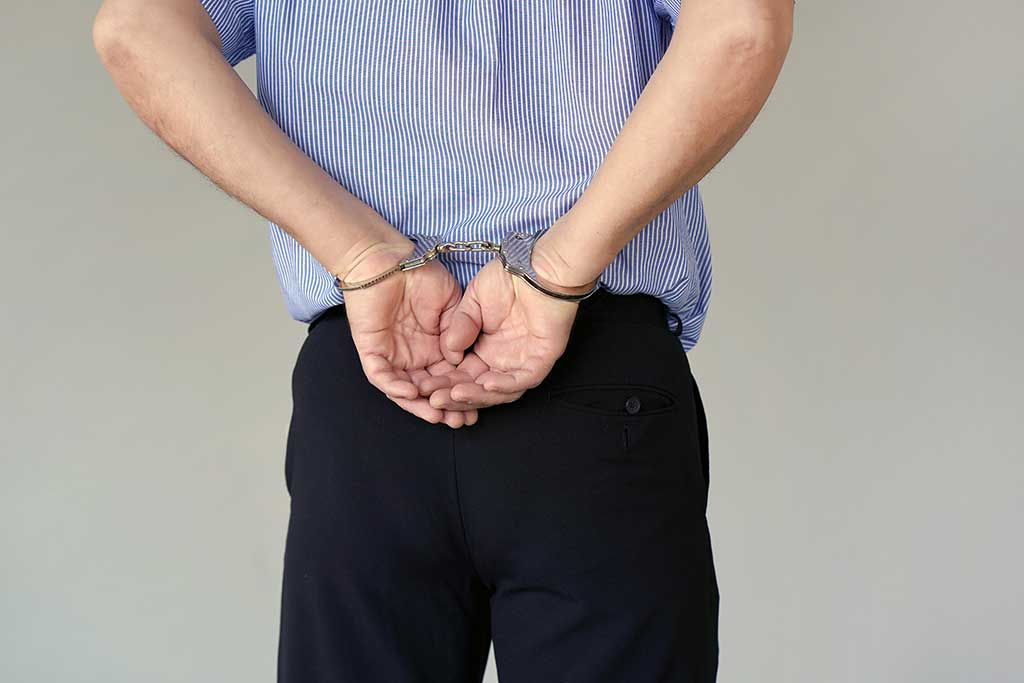 遭受違法逮捕驗尿,委託桃園律師成功獲釋